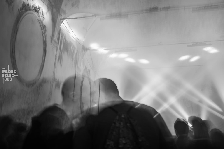 Ghosts kissing at RoBOt Festival 09 2016 Back Room Aurora Halal