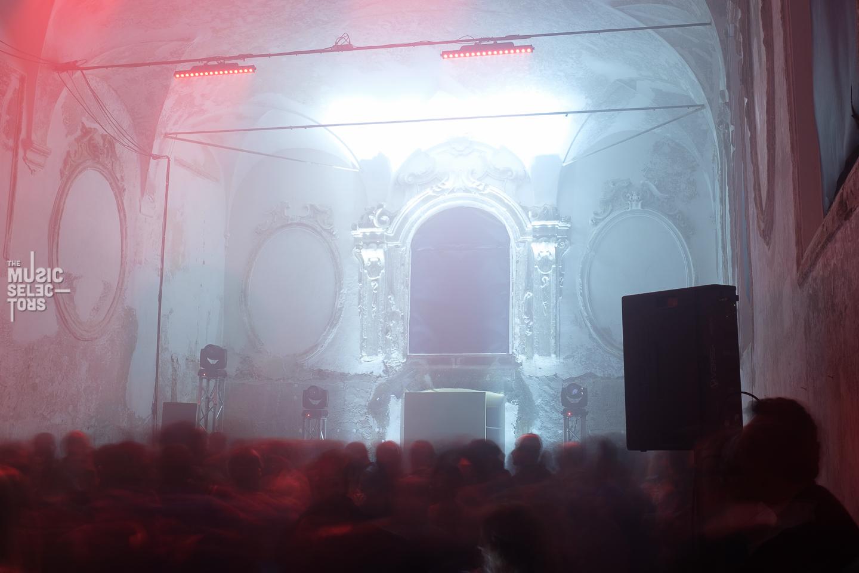 Ghosts dancing at RoBOt Festival 09 2016 Back Room Aurora Halal